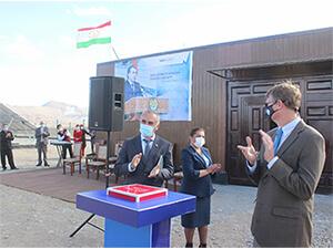 Apoyando a Pamir Energy para el proyecto de energía solar